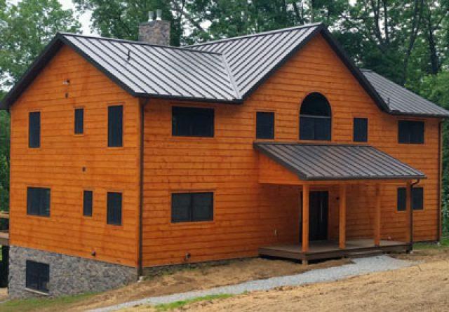 Bradford large model log home exterior