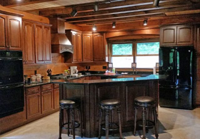 Bradford model log home with modern kitchen